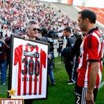 RT @abrurodriguez7: Eternas gracias a un GRANDE, por jugar como hincha en cada partido, por dejar todo, por ser un ídolo. GRACIAS CHAVO!! http://t.co/9QlGki0Hpl