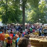 Where was #fortwayne today? Here at #JohnnyAppleseed http://t.co/A5oxNuOfpy