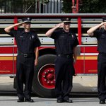 Members of the #Louisville Fire Dept. paid their respect to fallen firefighter Tony Grider. http://t.co/6bttxzeCsi http://t.co/MFmyz9fjSb