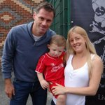 RT @stephensappeal: @Carra23 @joanne0852 thank you for the pic and signing my top ♥ http://t.co/si1XFkWfY9