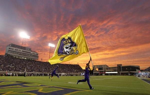 A beautiful photo from @ethanhyman on a record-setting night for #ECU #PirateNation. http://t.co/ZNH8NyR2P2 http://t.co/vrOgZSn0vN