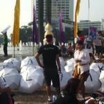 RT @indidelight: #BaliTolakReklamasi yuk yg d HI ikutan support @ForBALI13 http://t.co/kOIKXxFtup