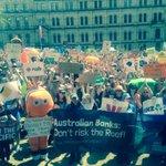 RT @Jansant: MT @SimonCopland The #PeoplesClimate crowd in #Brisbane #Australia Huge. @350Australia @350 http://t.co/7VwZ58Jhw0 #nofibs #auspol