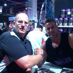 50th Anniversary Olympia with 4X Olympia Champ Jay Cutler. Hell yeah. Thanks champ! #totalclassact http://t.co/dfZjvRlEXE