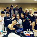 #2PM #미친거아니야 2PM 대기실을 습격한 JYP후배들!! 훈내폭발 단체사진! JYP Juniors Have Visited 2PMs Waiting Room! HOT Group Pic! http://t.co/jDUhL0QOaw