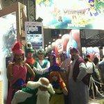 RT @danchou_yuugi: DQ4全員揃った!そしてスクエニスタッフさんに導かれてまさかのDQ4ブース前で!!もう夢かと思った!! #TGS2014 http://t.co/5fmQ1wyCnn