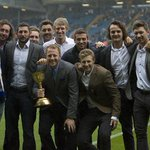 #lufc @Yorkshireccc with the championship trophy at Elland Road. http://t.co/cQMzJPhQZQ