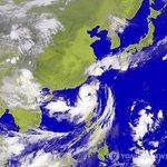 제 16호 태풍 풍웡이 북상하면서 23일쯤 전국적으로 비가 내릴 것으로 예상됩니다. 시간당 30mm 이상의 폭우가 될 것으로 보인다네요. http://t.co/bFtPNxo0Kd http://t.co/Spv8mLoGSr