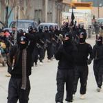 ВИЛАЯТ МОСКВА. Ихваны, участвующие в Хадже мира в поддержку ИГИЛ, построились в две колонны для начала шествия. http://t.co/hNnOsHLHNd