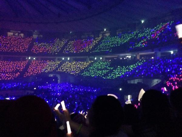 #SS6SeoulDay3 Gorgeous rainbow project for #100thSuperShow !! (cr: ButtsBonbon) http://t.co/QnYDsYv2Uf