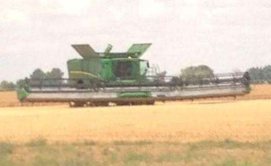 Wow~Rumor :JD + 800HP , twin-engine , 16.5 ton grain bin d , d flex platform 60 feet 2 rotors. http://t.co/xo9UDQTJMT http://t.co/16zGhB1E3p