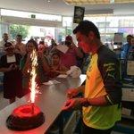 RT @ClubSantos: #OswaldoSánchez festejando su cumpleaños con una firma de autógrafos en #ComexTorreón #GuerreroNoCualquiera http://t.co/CZ71Jpbavc