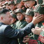 Hoy hemos iniciado un nuevo curso militar con una bonita tradición: el bofetón aleatorio a los novatos. http://t.co/9lnOqmKm27