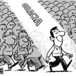 """RT @DiarioLaPrensa: Dale RT a la caricatura de hoy: """"Dios te premia"""" http://t.co/xmGlrNWkM8"""