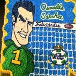 RT @ClubSantos: El pastel de cumpleaños de nuestro capitán #OswaldoSánchez. http://t.co/uT3SiTPLN7