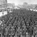 После прохода пленных немцев по улицам Москвы, 1944 год, и предателей 2014 года. #КПРФ #КраснаяМосква http://t.co/LW4nQAqMIn