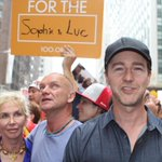 RT @Lnonblonde: Trudie Styler,Sting, & Edward Norton March In The #PeopleClimateMarch In New York http://t.co/aASFJmNvEP