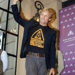 """RT @pepablanes: """"@magarrosa: Así ha llegado Viggo Mortensen al Zinemaldi. Reivindicando. """"no al fracking"""" http://t.co/v8yyEeIfOy"""""""