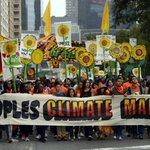RT @NOS: Tienduizenden demonstranten hebben wereldwijd aandacht gevraagd voor het klimaat. http://t.co/p3gDn25GLc http://t.co/PhmNoyWk4F