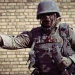 أنت لا تحمل الدروع على صدرك يا صاحبي أنت تحمل العراق تنزف كما ينزف العراق لا تسقط يا ابن وطني كي لا يسقط #العراق http://t.co/DuZkahQifa