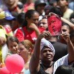 .@NicolasMaduro: La base de la paz sin lugar a dudas es la igualdad, como decía nuestro Cdte Chávez #SomosGenteDePaz http://t.co/d84O3CBmUg