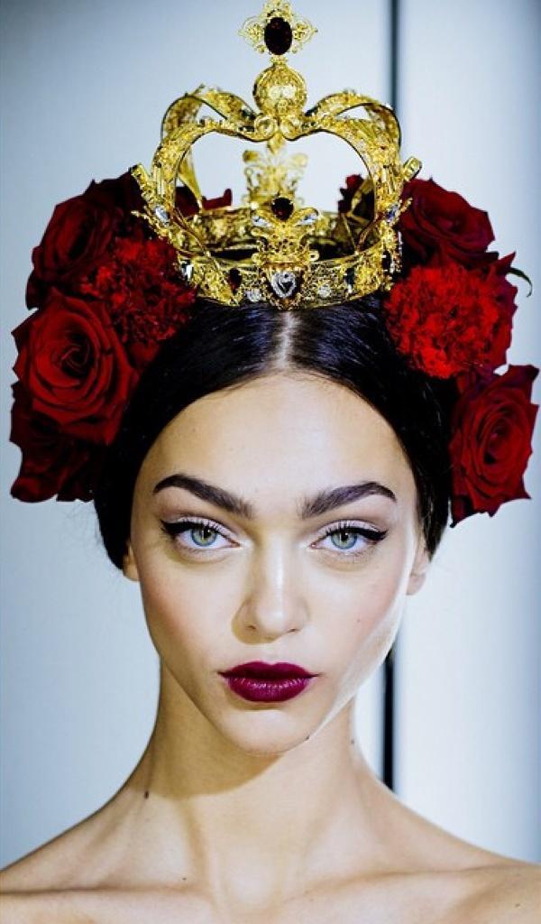 #Regram @KevinTachman #TheLook @dolcegabbana #Ss15 #dolcegabbana #makeupbypatmcgrath #mfw #milanfashionweek #dgss15 http://t.co/30VDxlIjgm