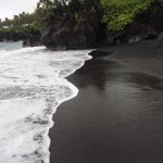 officially obsessed with black sand beaches 😍⚫️ http://t.co/4L2OJ3dJt8