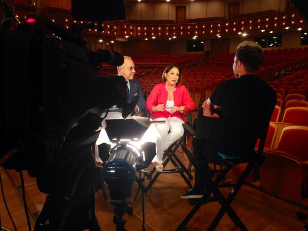 Stay tuned... @lancebass' @etnow interview with @onyourfeetbway's @emilioestefanjr and @GloriaEstefan airs Tuesday! http://t.co/pbLC08AP5h