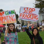 young #PeoplesClimate #Oakland @lmcwords http://t.co/wePpexqFK1
