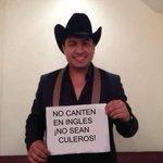 Julion a los participantes de la voz México. http://t.co/GanJ5sLAHt