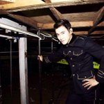 RT @siwon407: under the stage. http://t.co/LfnA4KDMxO