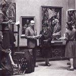 El pintor uruguayo Carlos W. Aliseris en la sala del Greco del Museo del Prado el 12 de enero de 1943 @museodelprado http://t.co/0UNE3As3pG