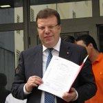 #Frikha candidat aux législatives #Ennahdha & présidentielles #TnElec : une belle tête de vainqueur ! #KMN #Tunisie http://t.co/ZdMOIVVgWk
