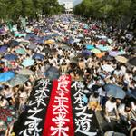 RT @darrenlonghk: Impressive show of numbers as HK students stage walkout http://t.co/3qjXFw7bZa via @SCMP_News http://t.co/3UzUSwHkpd