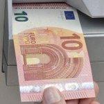El nuevo billete de 10 euros entra en circulación este martes. Estos son los cambios → http://t.co/3VltHbMLRd http://t.co/BjxCCl5SO0