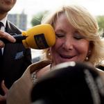 Esperanza Aguirre, los micrófonos. http://t.co/LUXmw1pHZK