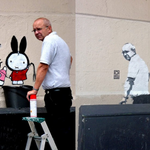 Graffiti removal guy comes back to discover image of himself in the same spot: http://t.co/oHlx2ZxCh0