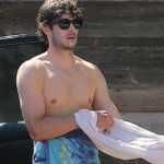 Seth Cohen. Swoon. RT @BuzzFeed: Adam Brody's Still Got It (...as if he'd LOSE it) http://t.co/HjP0ETrkrh http://t.co/uDcQnoJEFL