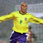 RT @DavidsCreator: El 22 de setiembre tendría que ser declarado por @FIFAcom el #Díadelgol Gracias @Ronaldo Feliz Cumpleaños. @ferlozan http://t.co/EHbIDYJQs4