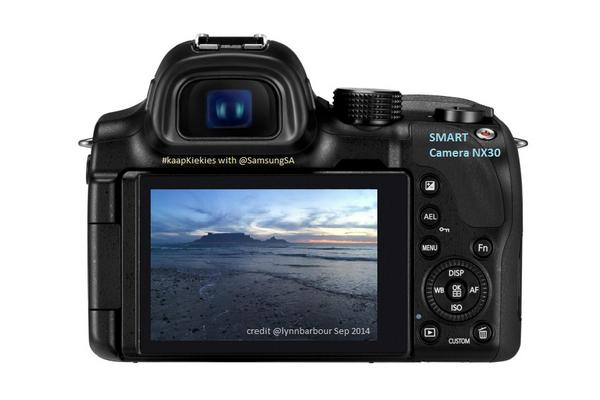 GIVEAWAY! w/ @SamsungSA   Smart #Camera NX30 | Value R10k info http://t.co/vpKfrTImix  ReTweet & Follow (Step 1/3) http://t.co/7bKLh6GxPL