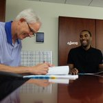 RT @Lakers: OFFICIAL: Lakers sign guard Wayne Ellington. Welcome to LA, @WayneElli22! http://t.co/2qN9OJfHR6