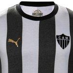 RT @trivela: Galo lançará linha de uniformes retrô e acertou em cheio na beleza das camisas http://t.co/HoHHPnEyD3 http://t.co/ZT0cR3ZZnp