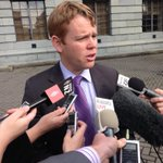 Chris Hipkins says there shouldnt be a vote on Labours leadership today. #decision14 http://t.co/0AcYMPhs6H
