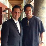 RT @sergiosalmon: Repite el querido @10Ronaldinho en @el_caserio buen provecho !!! http://t.co/X2HZ8HkpI9