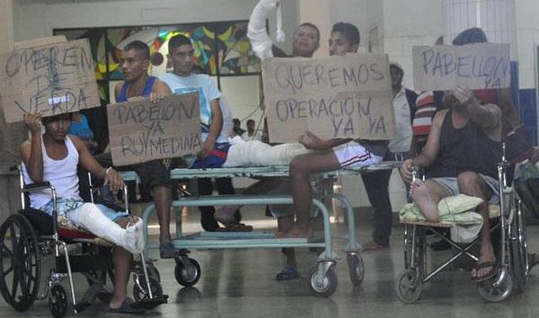 SuNoticiero (@SuNoticiero): Estas fotos reflejan a una #VenezuelaEnTerapiaIntensiva (IMÁGENES)  http://t.co/Tm7oT9CwL2 http://t.co/T5jZjsYKvu