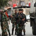 """انشقاق 11 ضابطا #سوريا فروا من لبنان لـ""""الخارج"""" : http://t.co/rXZDS0lxbr - #سوريا http://t.co/VD6ru2i3Kb"""