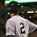 RT @Yankees: Soak it all in, Derek. #FarewellCaptain http://t.co/HYvgIDeVDx