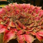 【咲き誇る肉】武蔵小山の「がぶ丼」がもはや芸術の域に達してる http://t.co/bBRnmAKPdg 提供しているのは武蔵小山にある「くいしんぼう がぶ」 http://t.co/4YuhlMK3Zc