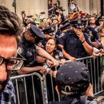 Cops pepper sprayed themselves in New York http://t.co/TfJHpKVxeQ photo v @JennaBPope