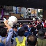 RT @hazuma: 在特会が来たのか、帰れの大合唱に変わった。 http://t.co/U8cHnjtb6M